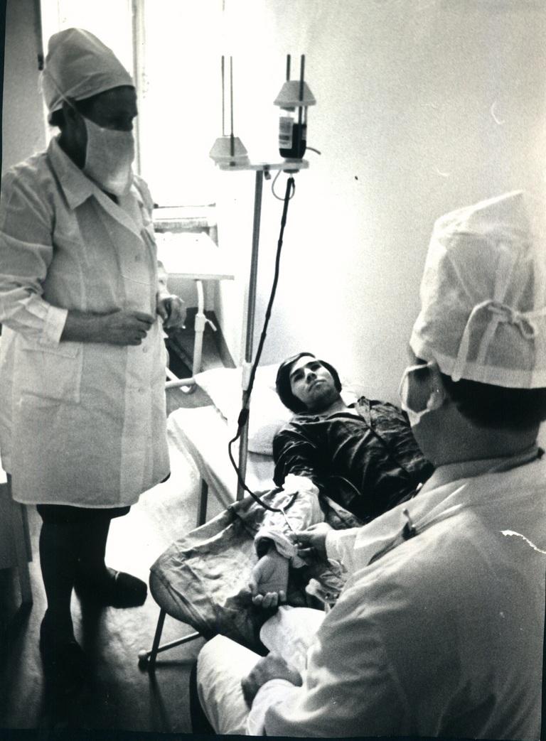 Переливание крови пациенту